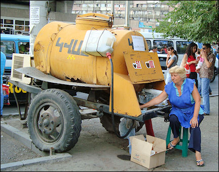 Armenia - Selling kvass in Yerevan