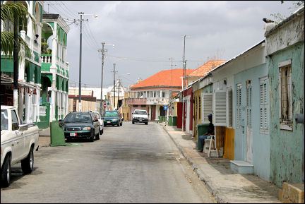 Netherlands Antilles, Curaçao - Willemstad, Scharloo: mansions to the left, former slave quarters to the right