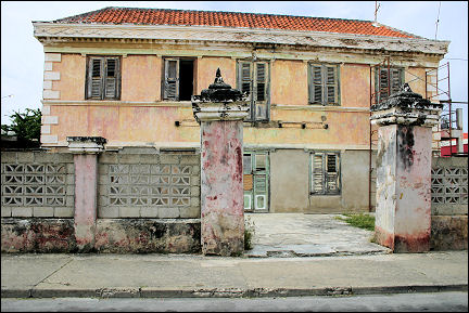 Netherlands Antilles, Curaçao - Willemstad, Scharloo, dilapidated mansion