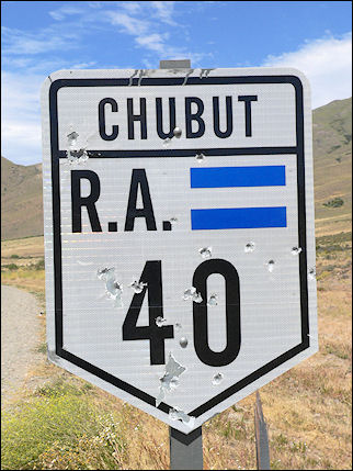 Argentina - Traffic sign along Ruta 40