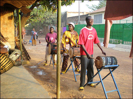 Burkina Faso - Bobo-Dioulasso, drummers practice in the street