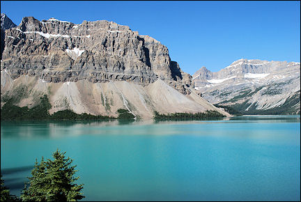 Canada, British Colombia and Alberta - Bow Lake along the Icefield Parkway