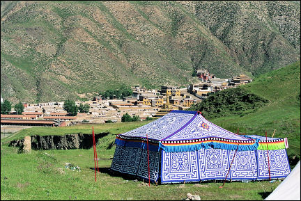 China, Gansu - Nomad tents on the outskirts of Xiahe