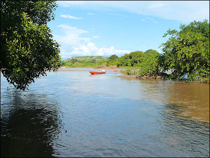 Colombia, Aipe - Ferry to Villavieja