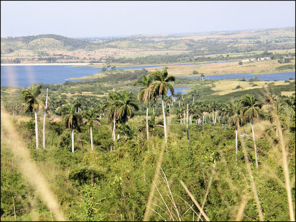 Cuba - Hilly route to Guanajay