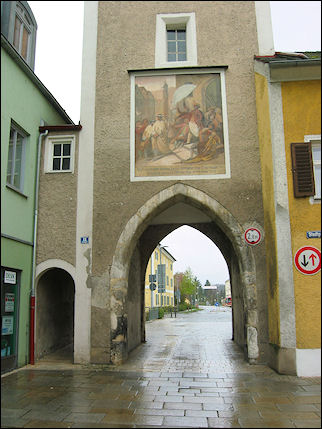Germany, Bavaria - Kelheim, town gate