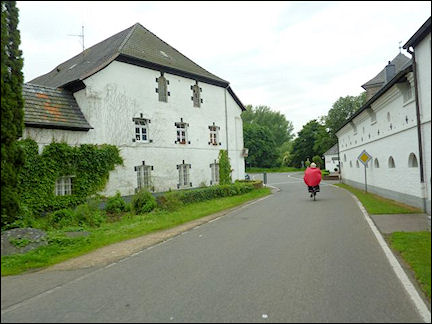 Germany, North Rhine-Westphalia - You don't have to be a mountain goat