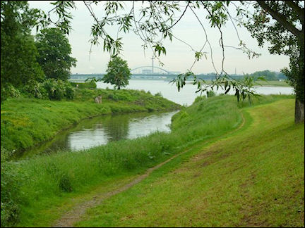 Germany, North Rhine-Westphalia - The Erft river empties into the Rhine at Neuss