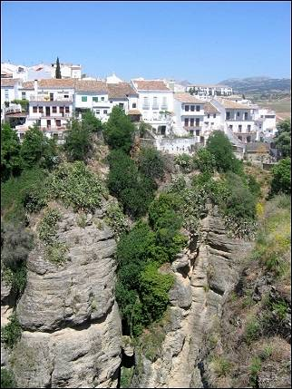 Spain, Andalusia - Ronda on the edge of a canyon