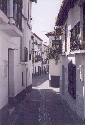Spain, Andalusia, Granada - One of countless many beautiful streets in the Albaicín