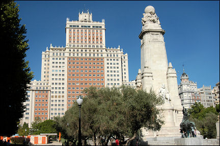 Spain, Madrid - Edificio de España