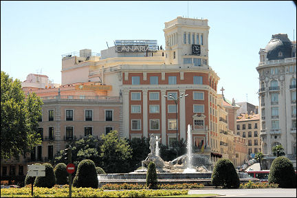 Spain, Madrid - Plaza de Cánovas del Castillo