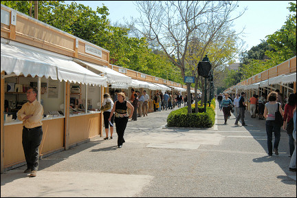 Spain, Valencia - Book stalls in Jardines del Real