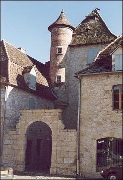 France, Lot - Uzerche: typical medieval house