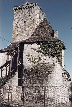 France, Lot - Teyssieu: medieval toren
