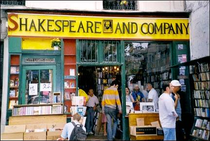 France, Paris - Bookstore Shakespeare & Co