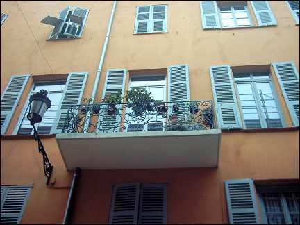 France, Côte d'Azur, Nice - French balcony in Vieille Ville
