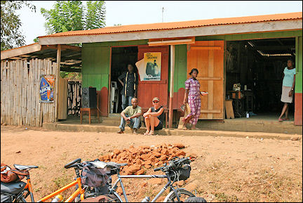 Ghana, Amedzofe-Ho - Bar along the road