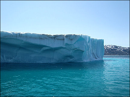 Greenland - Between icebergs on the way to Narsaq