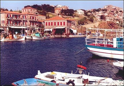 Greece, Lesbos - Molivos with port in the foreground