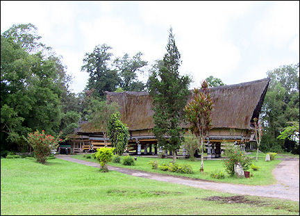 Indonesia, Sumatra - Karo Batak, long house