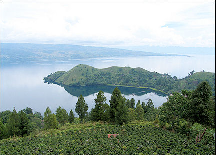 Indonesia, Sumatra - Lake Toba