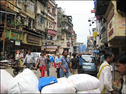 India - Mumbai, busy shopping street