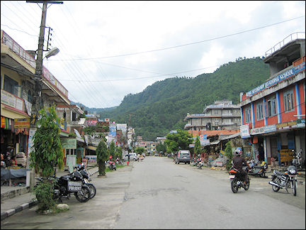 Nepal - Pokhara, a long shopping street