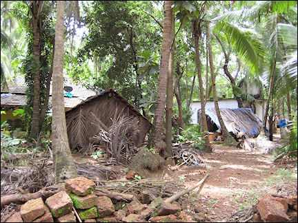 India - Goa, bad living conditions