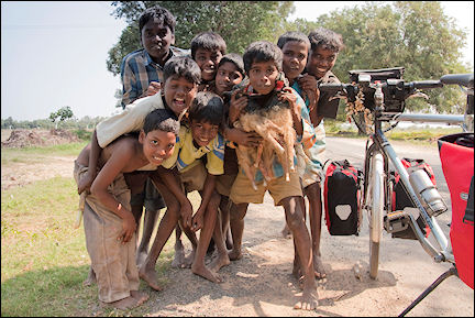 India, Tamil Nadu - Group of kids on the way