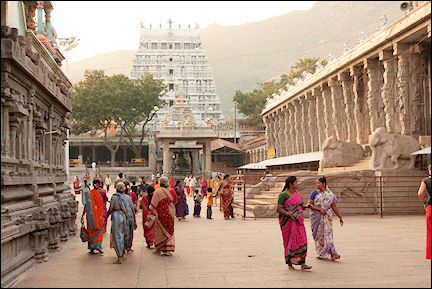 India, Kerala and Karnataka - Tiruvanamalai, courtyard temple