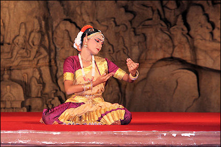 India, Kerala and Karnataka - Mammalapuram, dance performance