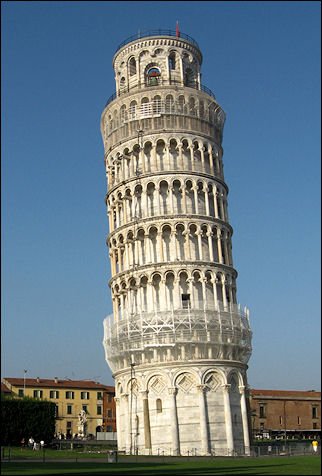 Italy, Tuscany - Pisa, tilted tower Torre Pendente