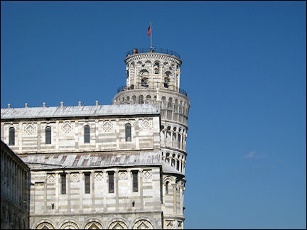 Italy, Tuscany - Pisa, tilted tower next to cathedral