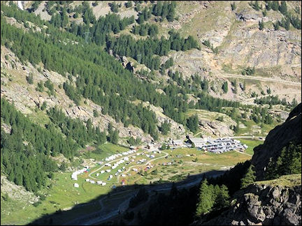 Italy, Valle d'Aosta - Descent to Pont