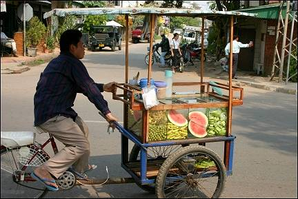Laos - Vientiane, mobile fruit stall