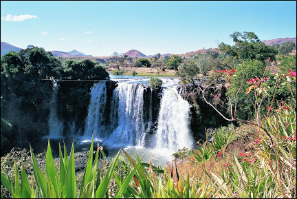 Madagascar - Waterfall west of Tana