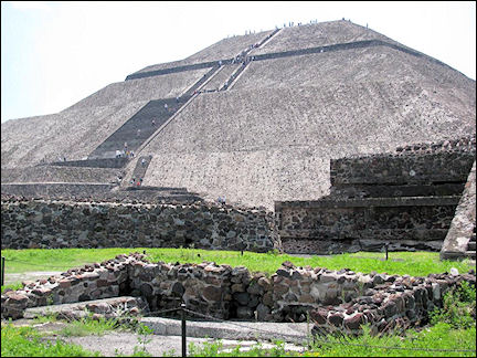 Mexico, Mexico City - Pyramid of the Sun in Teotihuacan