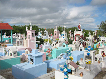 Mexico - Colorful cemetary, Rio Lagartos