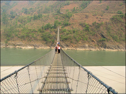 Nepal - Huge suspension bridge, on the way to Pokhara