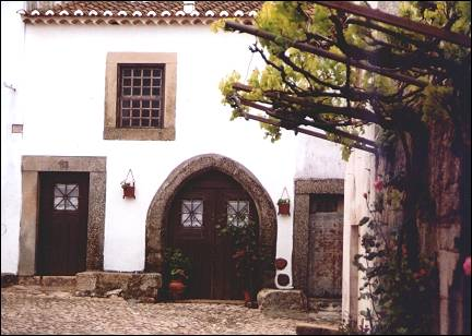 Portugal, Alentejo - Castelo de Vide, medieval house within the castle walls