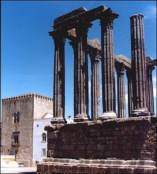 Portugal, Alentejo - Evora, Diana temple with the castle in the background