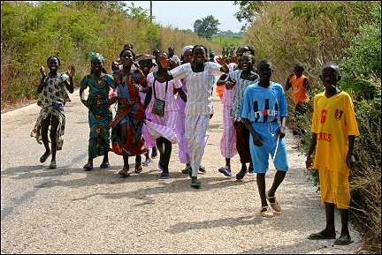 Senegal - Sedhiou Tabaski, dancing children