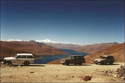 Tibet - Kamba-la pass, view of Yamdrok Tso and Nojin Kangtsang