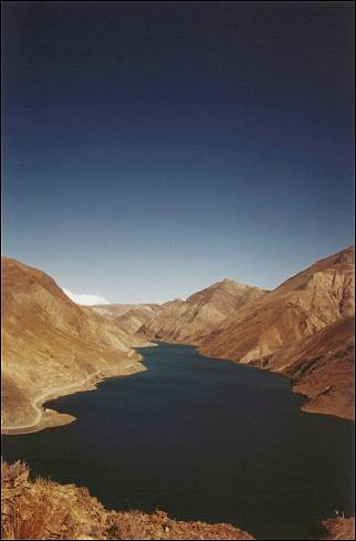 Tibet - Reservoir in Nyang Chu river