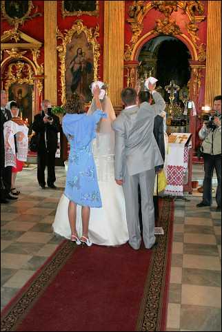 Ukraine - Kiev, wedding service in St. Andrivy church