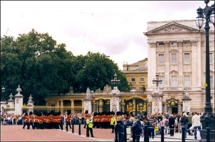 Great Britain, London - Buckingham Palace, changing of the guard