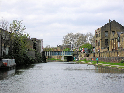 United Kingdom, London - Along Regent's Canal