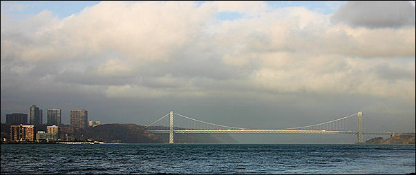 USA, New York - George Washington Bridge