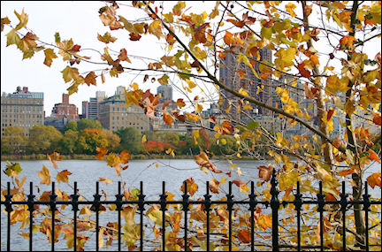 USA, New York - The Reservoir with the Upper East Side in the background